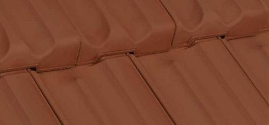 Фото крыши под керамической черепицей Glinex Trend Bordo